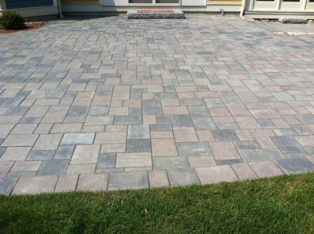 Patio area with pavers